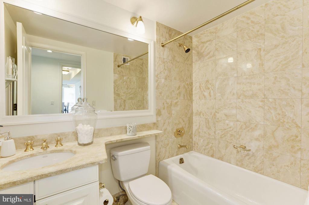 Bathroom - 1111 23RD ST NW #6A, WASHINGTON