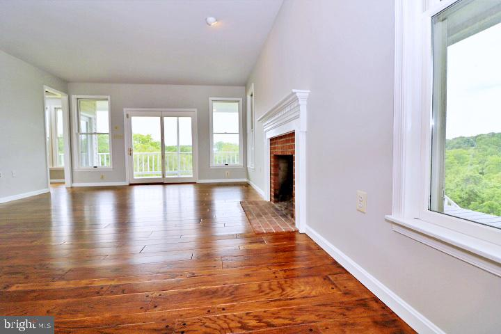 Great views from every window - 19745 SHELBURNE GLEBE RD, PURCELLVILLE