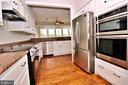 New gourmet appliances - 19745 SHELBURNE GLEBE RD, PURCELLVILLE