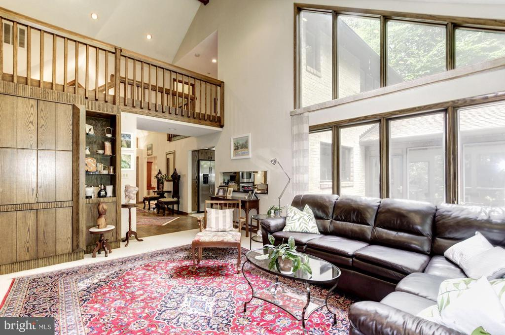Family Room showing Gallery Overlook from Stairwel - 17007 BARN RIDGE DR, SILVER SPRING