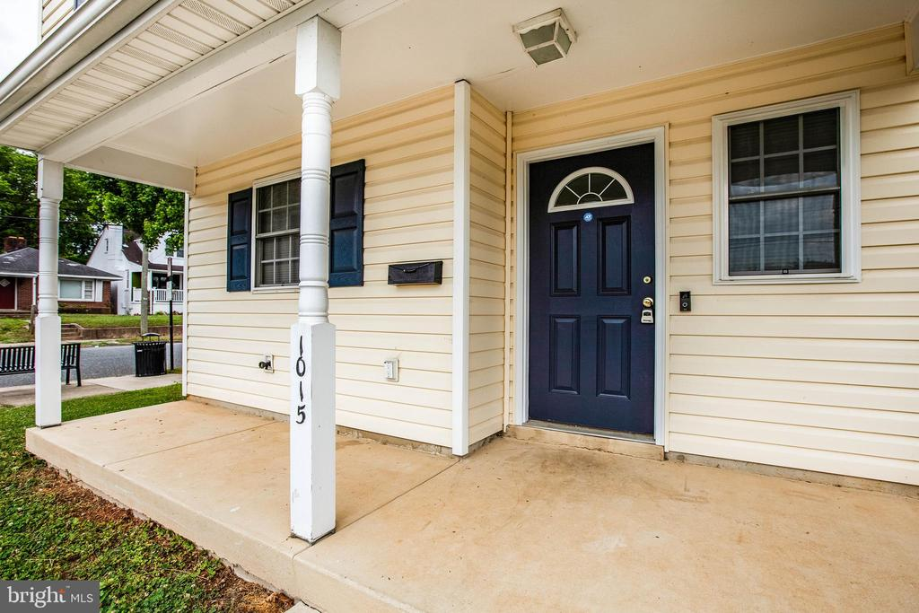 Great front porch - 1015 MYRICK ST, FREDERICKSBURG