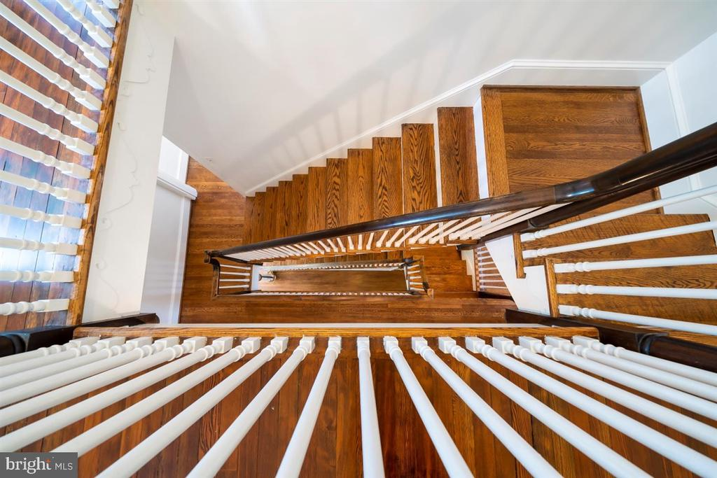 Yes - all hardwood. Open and grand staircase! - 304 UPPER COLLEGE TER, FREDERICK