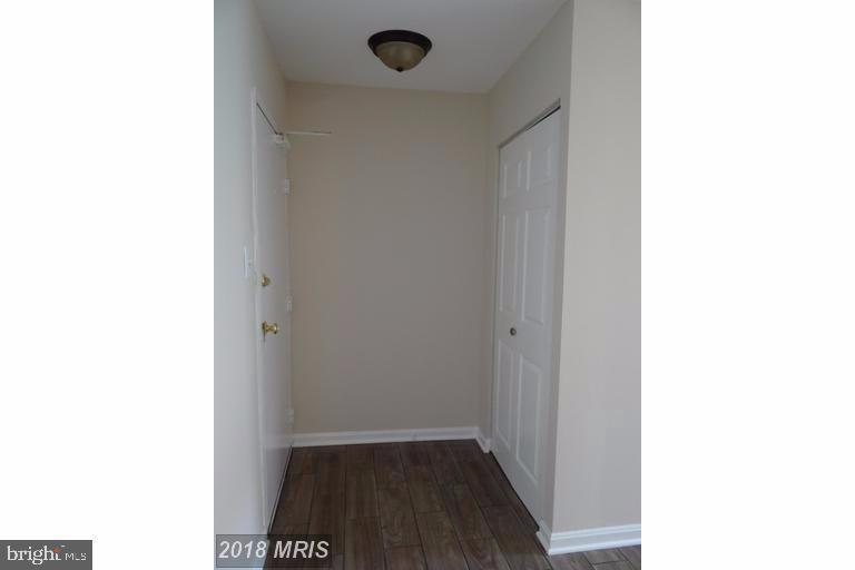 Front door entryway and closet - 3710 N ROSSER ST #T3, ALEXANDRIA