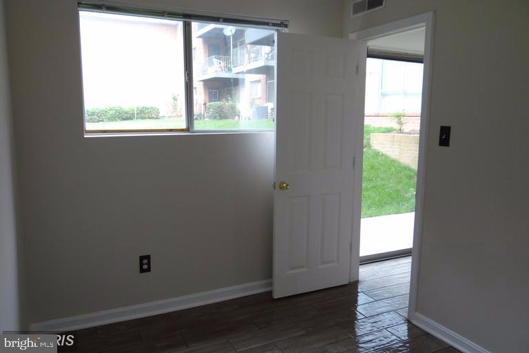 Den's window - 3710 N ROSSER ST #T3, ALEXANDRIA