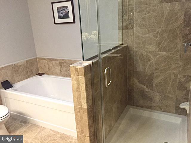 Master Bathroom - 6301 EDSALL RD #614, ALEXANDRIA