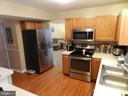 Staying up to date with Stainless Appliances. - 10118 S FULTON DR, FREDERICKSBURG