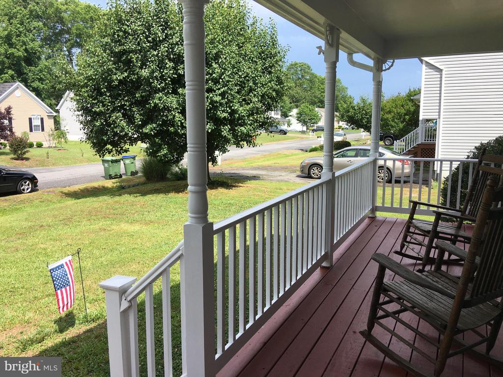 Front porch Sitting, Ready and Waiting. - 10118 S FULTON DR, FREDERICKSBURG