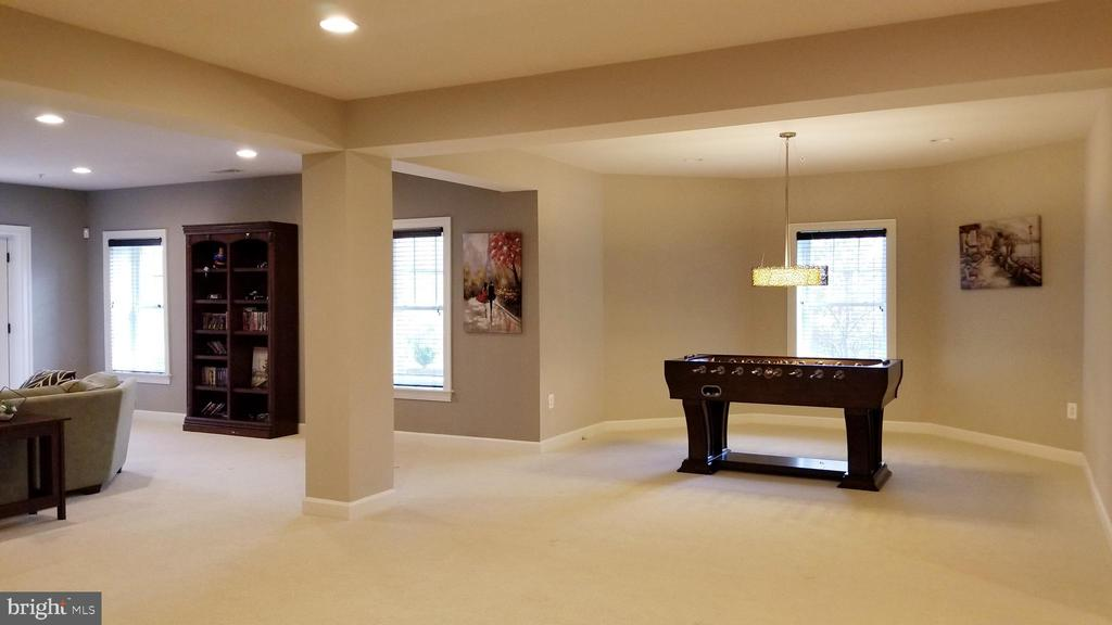 Basement rec room - 26592 MARBURY ESTATES DR, CHANTILLY
