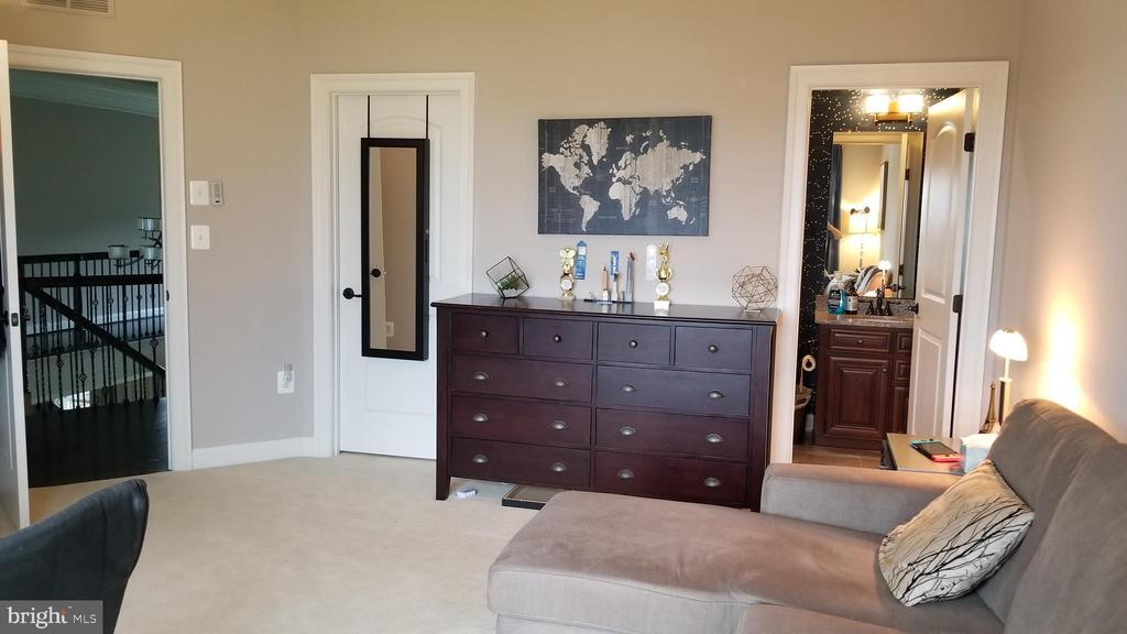 Third bedroom with full bath - 26592 MARBURY ESTATES DR, CHANTILLY
