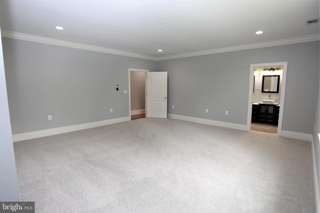 Master Bedroom - 28500 RIDGE RD, MOUNT AIRY