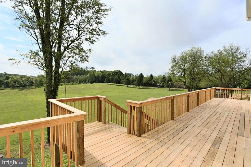 Front View Overlooking Land - 28500 RIDGE RD, MOUNT AIRY