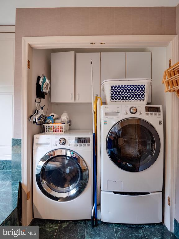 Laundry in master bathroom - 112 5TH ST SE, WASHINGTON