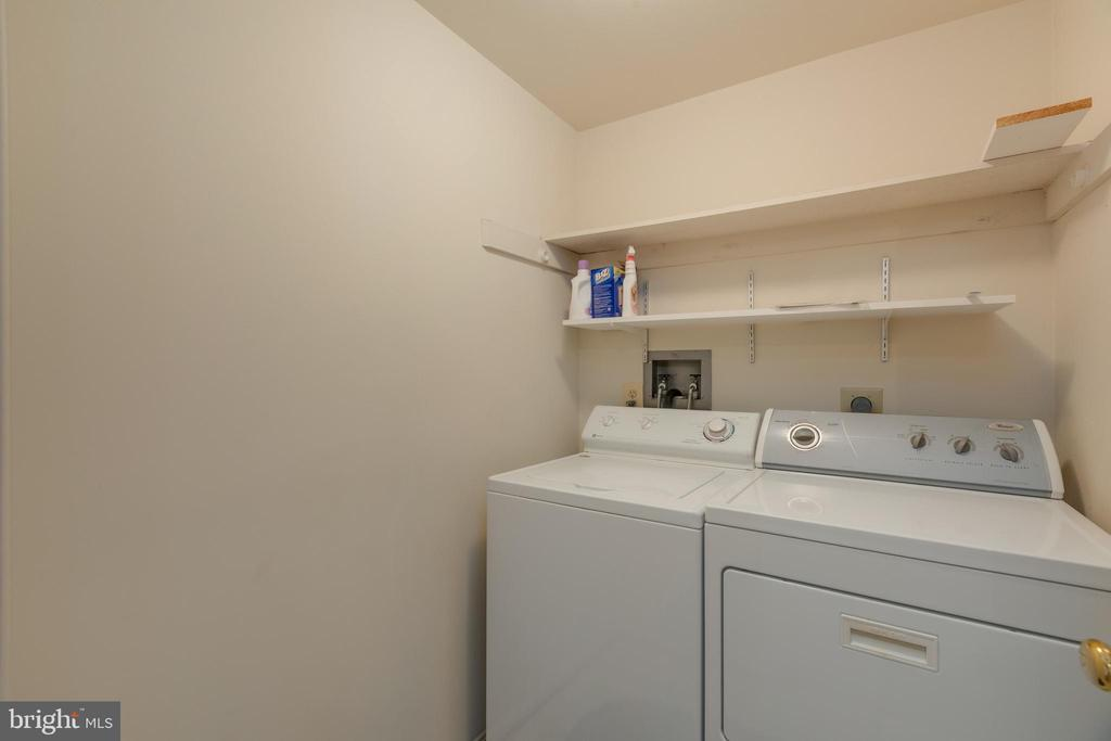 Upper level full size laundry - 3208 N TACOMA ST, ARLINGTON