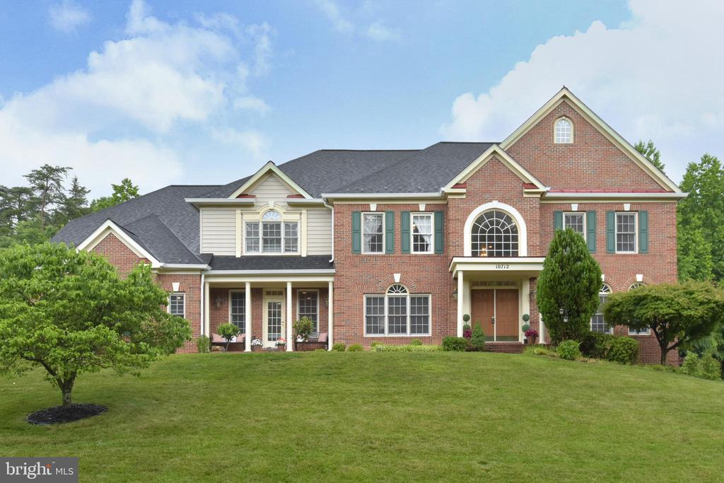Beautiful brick front colonial with NEW ROOF! - 10712 OX CROFT CT, FAIRFAX STATION