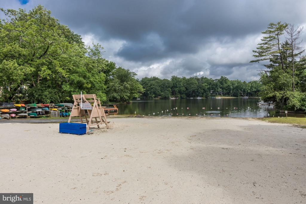 Live the Lake life inside the beltway!! - 6244 COLUMBIA PIKE, FALLS CHURCH