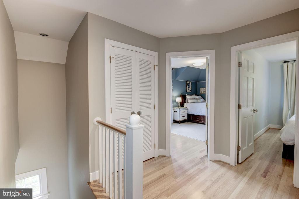 Rear Staircase to Upper Level - 4008 CLEVELAND ST, KENSINGTON
