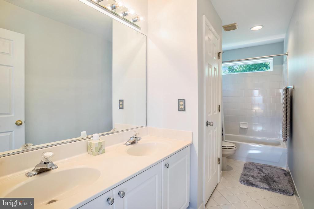 2nd Floor Bathroom - 6343 WILLOWFIELD WAY, SPRINGFIELD