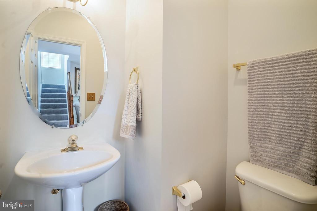 Main Floor Half Bath - 6343 WILLOWFIELD WAY, SPRINGFIELD