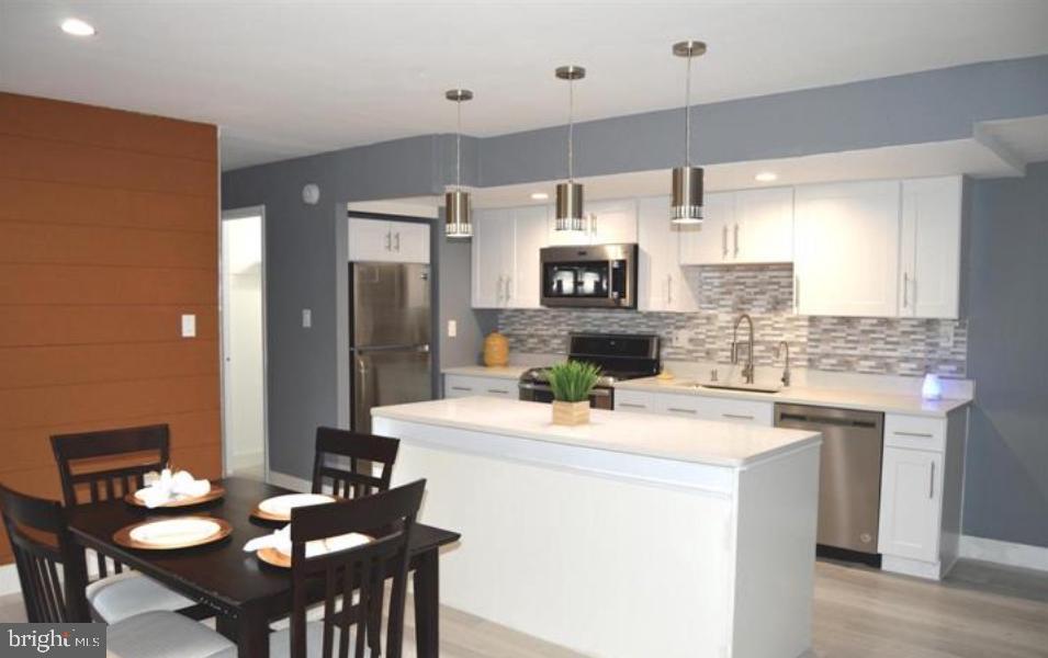 Open Living/Gourmet Kitchen - 12311 BRAXFIELD CT #1, NORTH BETHESDA