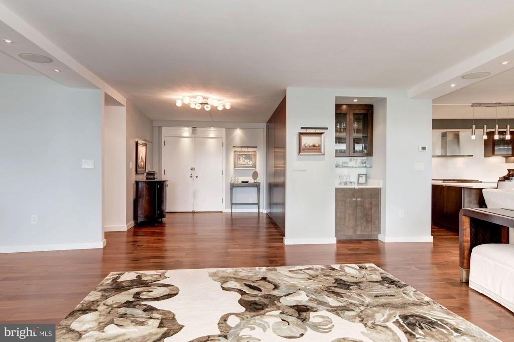 Living Room View to Foyer and Bar - 2500 VIRGINIA AVE NW #502/503, WASHINGTON