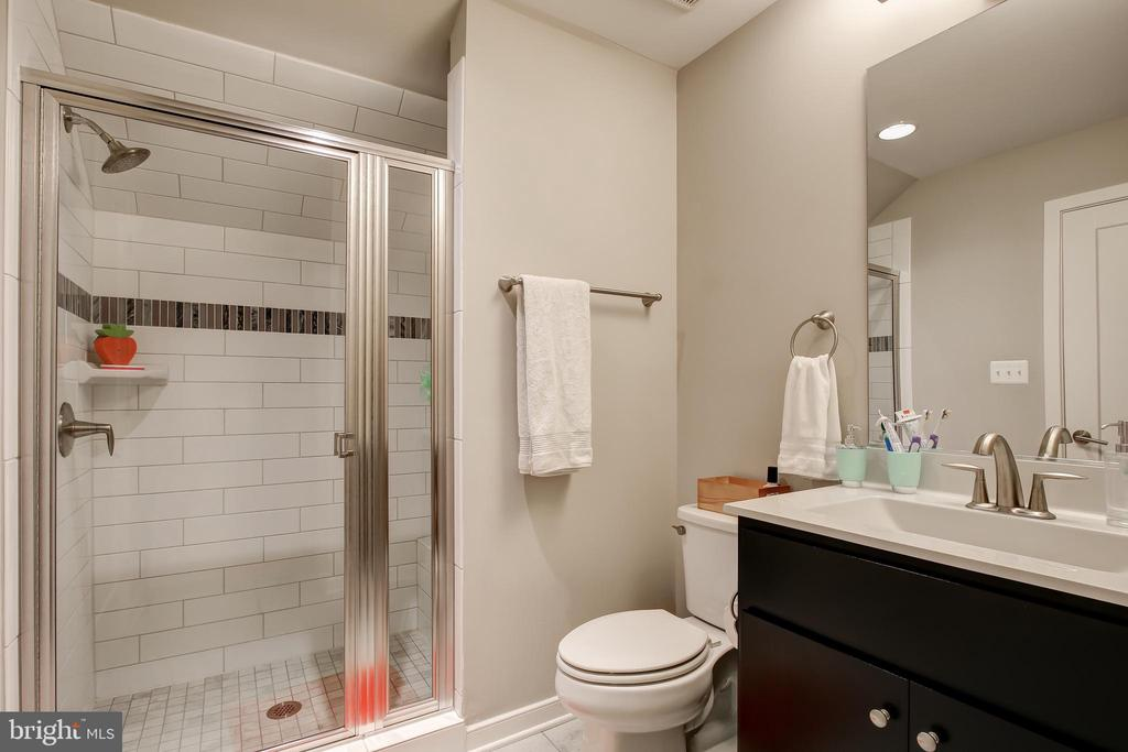 Full Bath on 4th Flr with access to BR and rec rm - 22983 WORDEN TER, BRAMBLETON