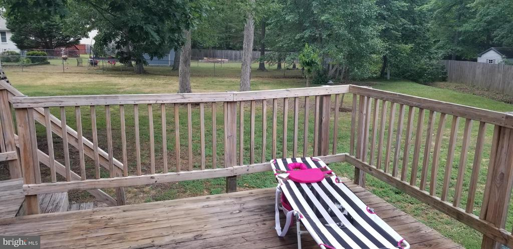 Spacious Deck - 5411 LEE WHITE LN, FREDERICKSBURG