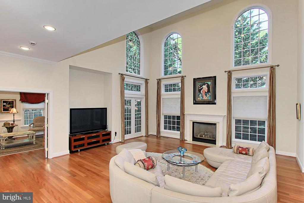 Family Room w/ Fireplace - 7307 ALLAN AVE, FALLS CHURCH
