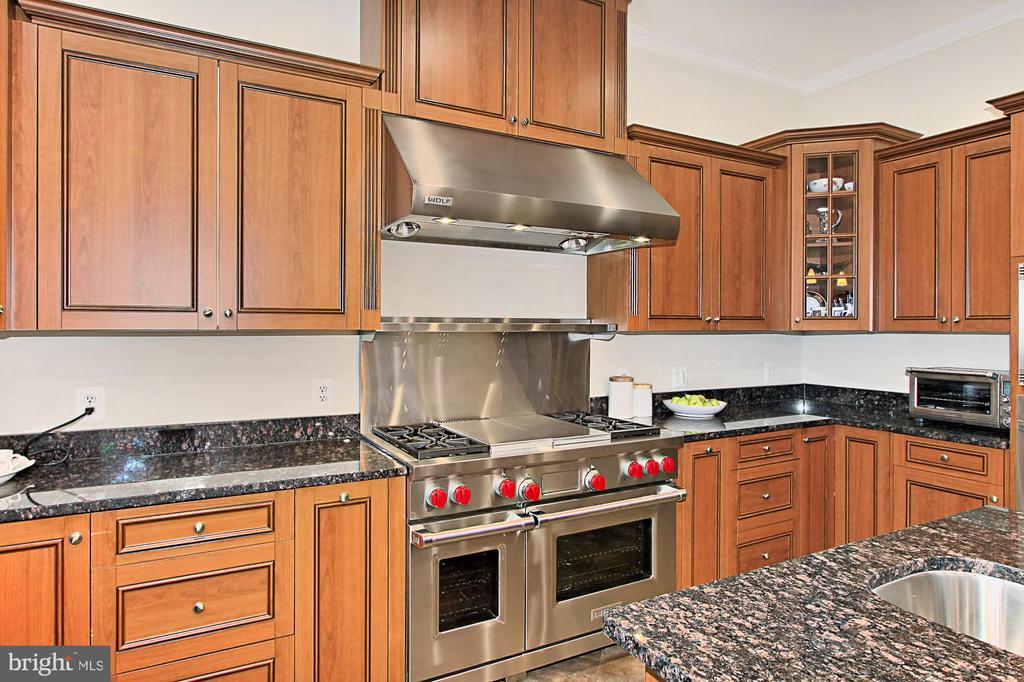 Gourmet Chef's Kitchen w/ Commercial Grade App's - 7307 ALLAN AVE, FALLS CHURCH