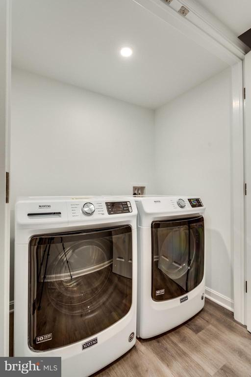New Maytag washer and dryer - 518 CANTERBURY LN, ALEXANDRIA