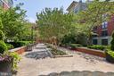 Building private courtyard - 1021 N GARFIELD ST #323, ARLINGTON
