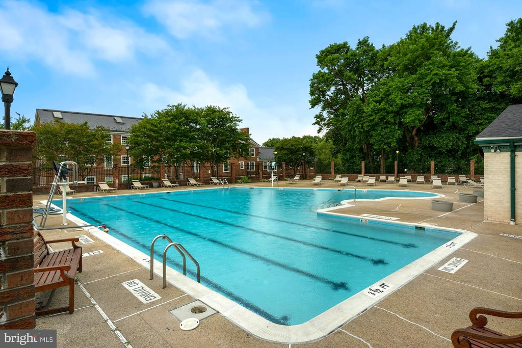 Community Pool - 3740 39TH ST NW #B152, WASHINGTON