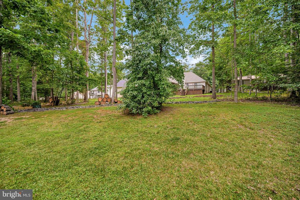 Beautiful level yard - 109 ASHLAWN CT, LOCUST GROVE