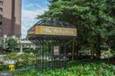 A Rosslyn Favorite - 1600 N OAK ST #1419, ARLINGTON