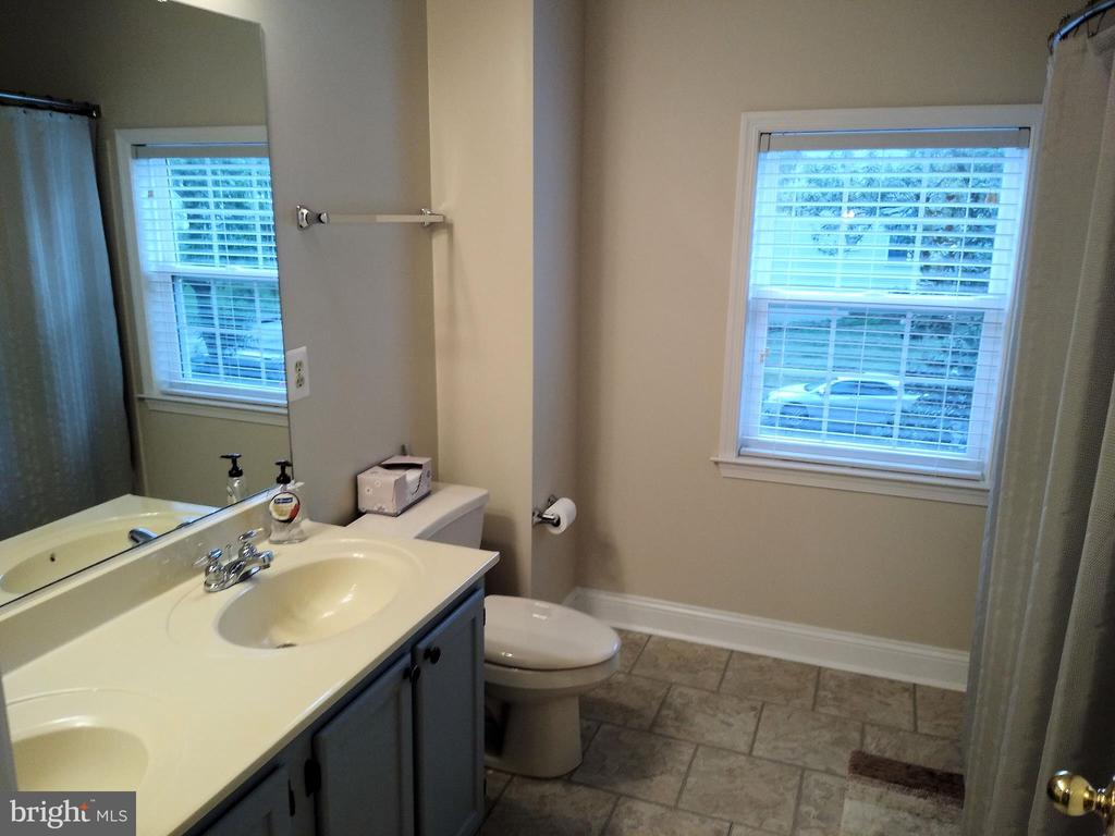 Hall Bathroom (view #1). - 8537 WILLOW WISP CT, LAUREL