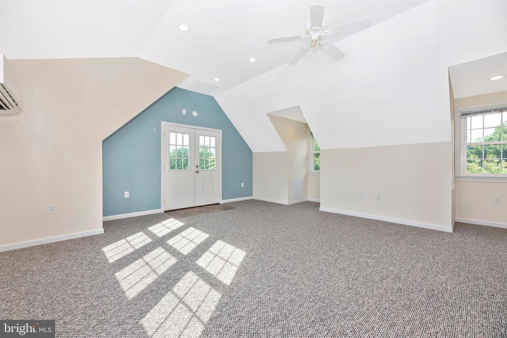 Bonus Room Above Garage - 3842 MOUNT AIRY DR, MOUNT AIRY