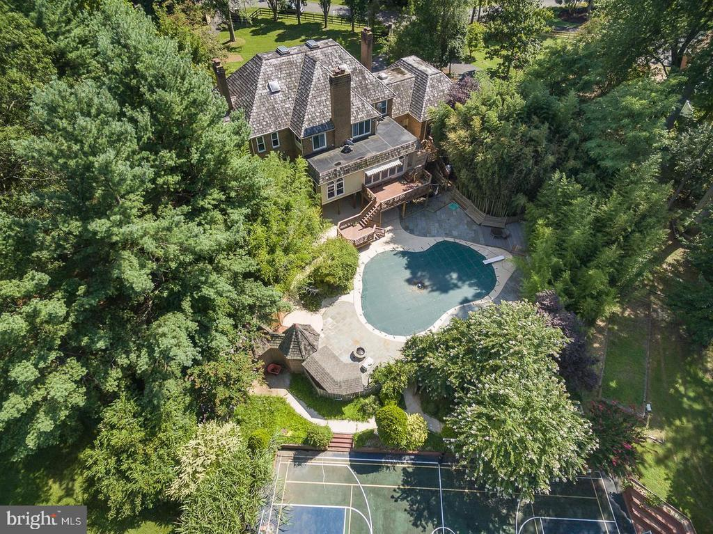 backyard pool and Tennis and Basketball Court - 11400 QUAILWOOD MANOR DR, FAIRFAX STATION