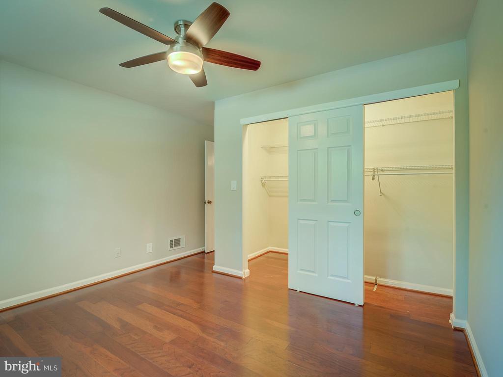 Semi-walking closet - 2603 S WALTER REED DR #A, ARLINGTON