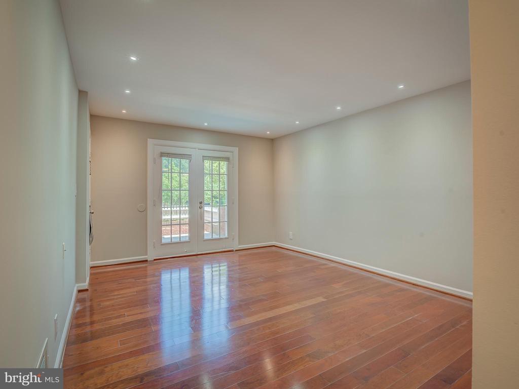 Glamorous Hardwood floors - 2603 S WALTER REED DR #A, ARLINGTON