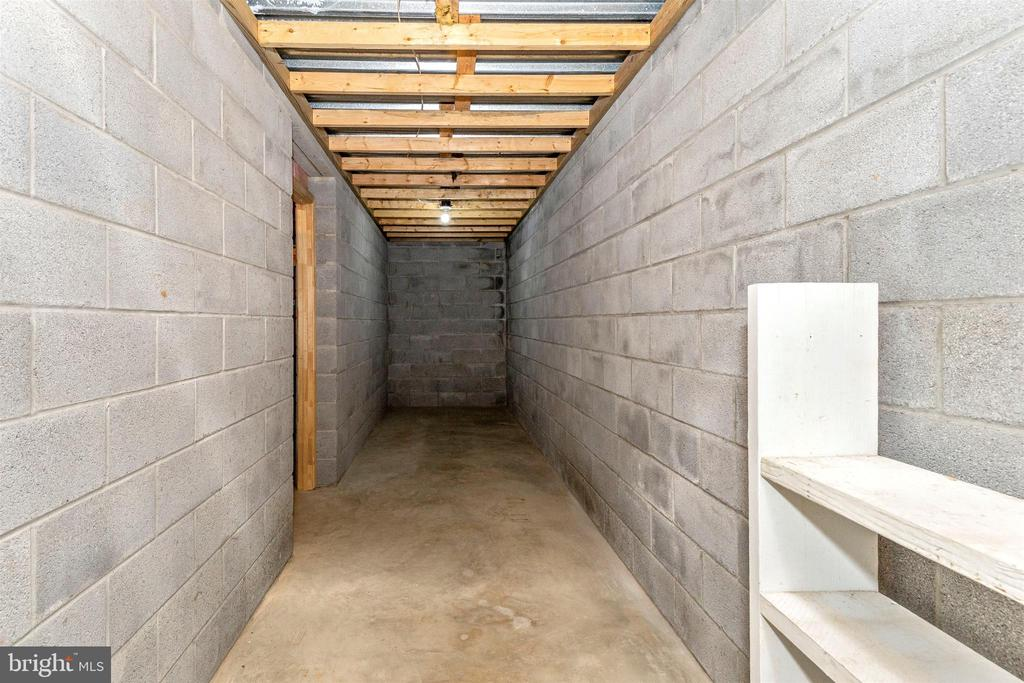 Storage under porch - 123 BENNETT DR, THURMONT