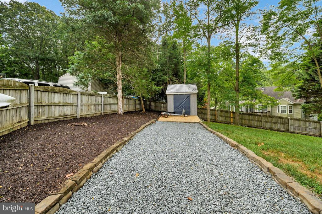 Driveway to Shed - 2003 MERRIMAC DRIVE, STAFFORD