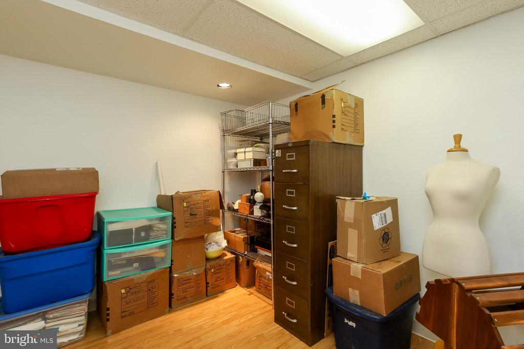 basement finished room perfect for office - 8705-B N PACIFIC CT, MIDDLETOWN