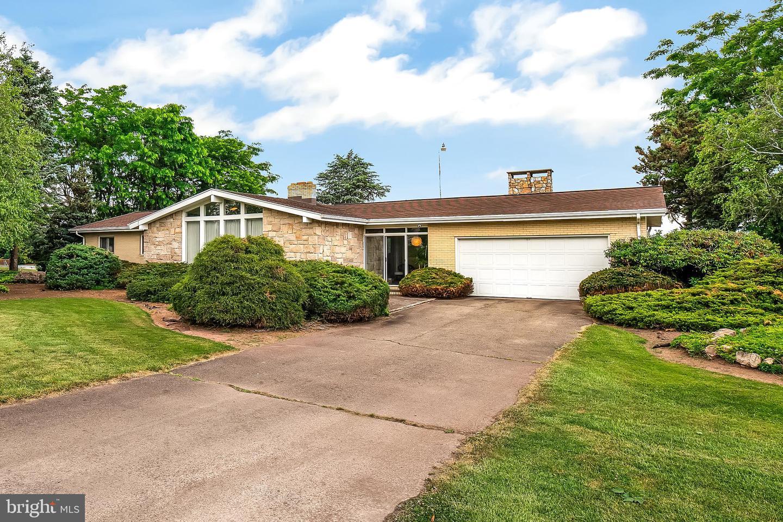 Single Family Homes のために 売買 アット Gratz, ペンシルベニア 17030 アメリカ