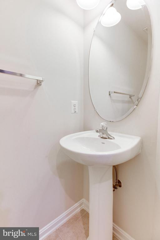 Half Bath in the Main Level - 7166 LITTLE THAMES DR #181, GAINESVILLE