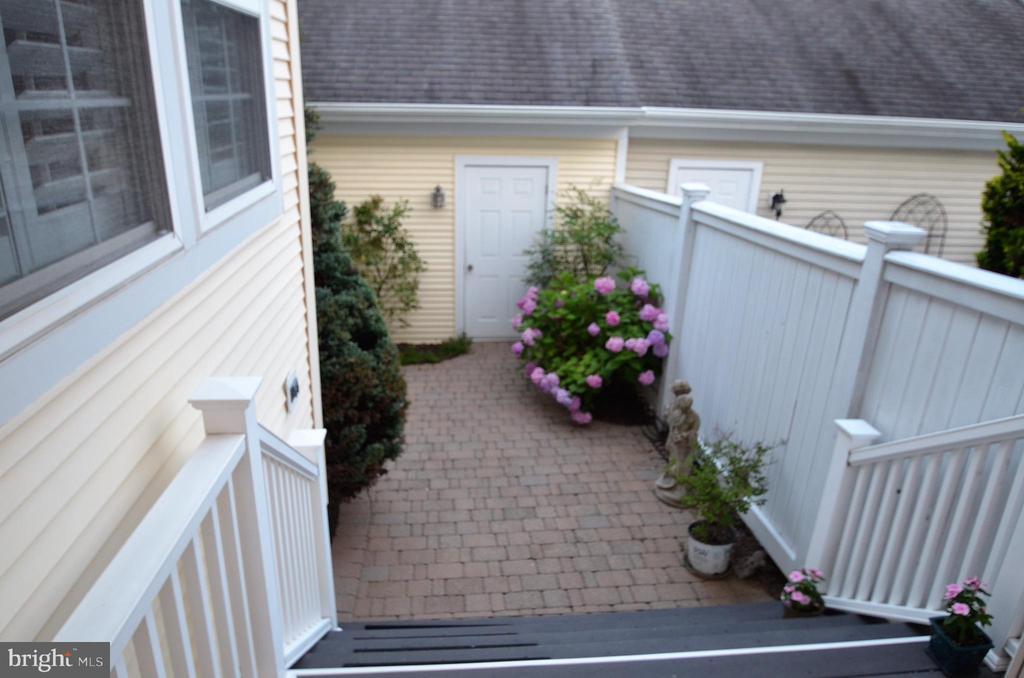 Patio and door to garage - 506 LAWSON WAY, ROCKVILLE