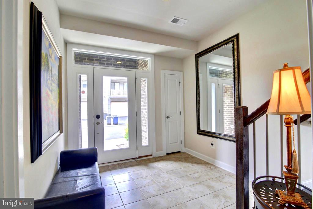 Large Welcome Foyer area with Coat closest. - 43388 WHITEHEAD TER, ASHBURN