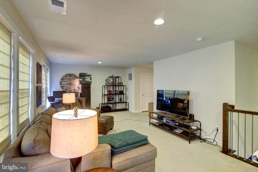 4th floor Greatroom - 43388 WHITEHEAD TER, ASHBURN