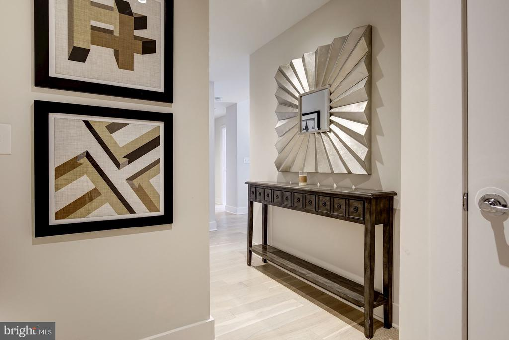 Foyer entrance to your grand residence. - 1745 N ST NW #211, WASHINGTON