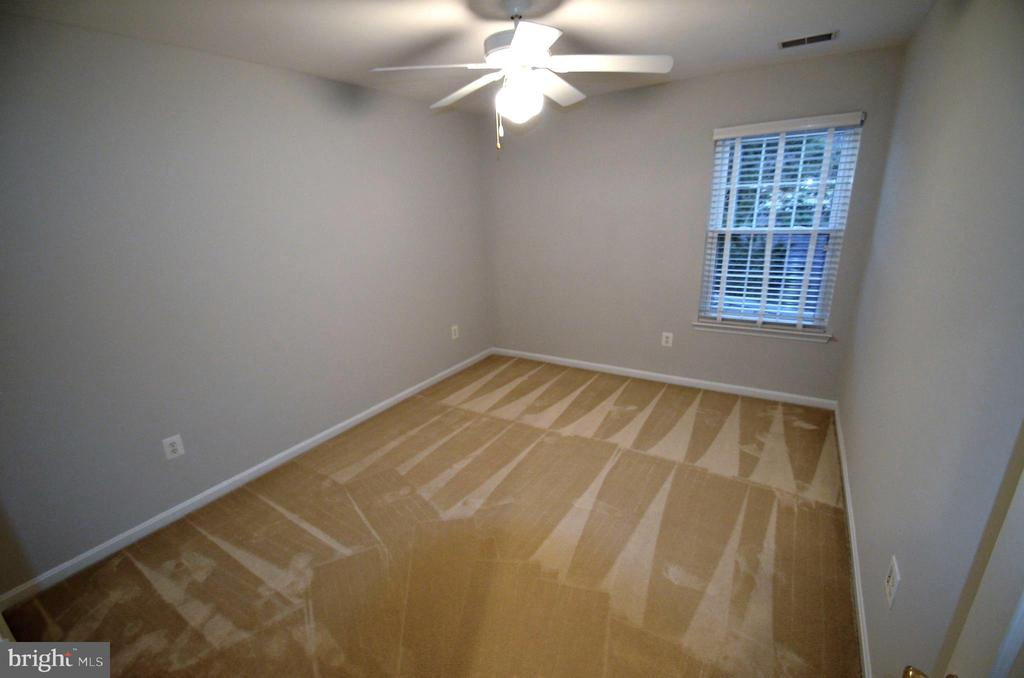 2nd bedroom - 506 LAWSON WAY, ROCKVILLE