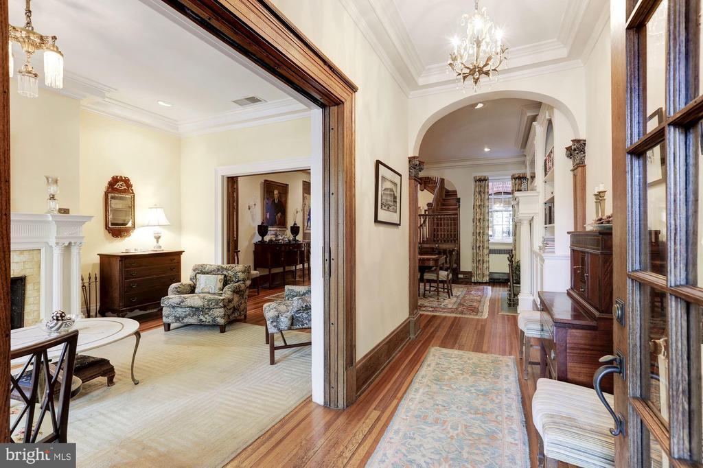 Entry Hallway - 1840 WYOMING AVE NW, WASHINGTON