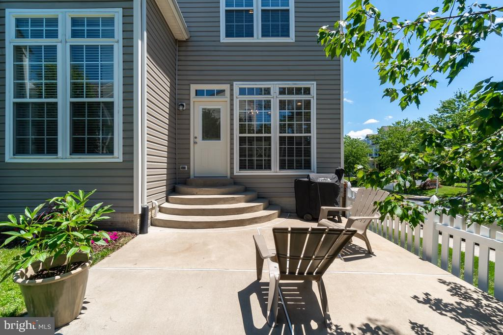 Large Patio for Entertaining - 43309 ATHERTON ST, ASHBURN